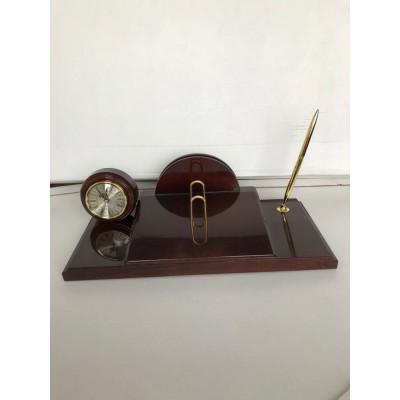 Настольные часы с подставка под календарь и гербом РФ Бриг+