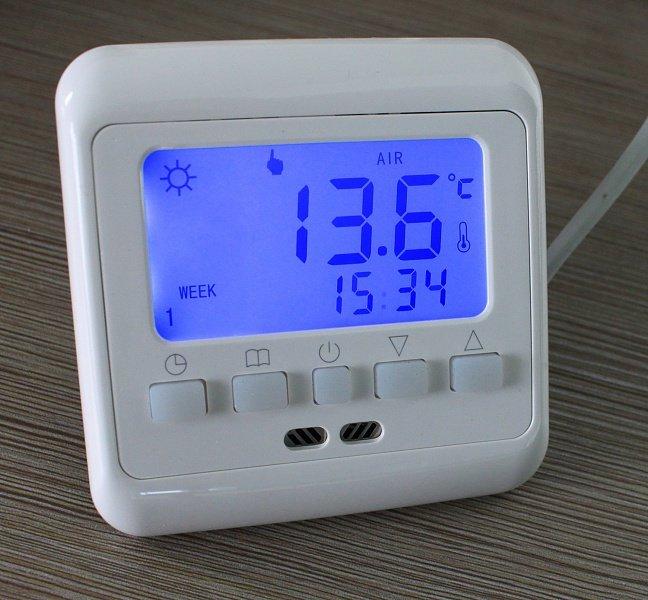 Терморегулятор с датчиком температуры воздуха